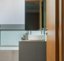 JALAN BUNGA RAMPAI – bathroom 2